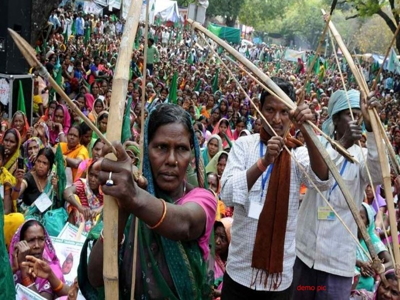 World Tribal Day Special: Have a Look on some exceptional adivasi marriage customs (Tribal people celebrating World Day for Indigenous People with Bow and Arrows in their hands) Photo Source – Social Media